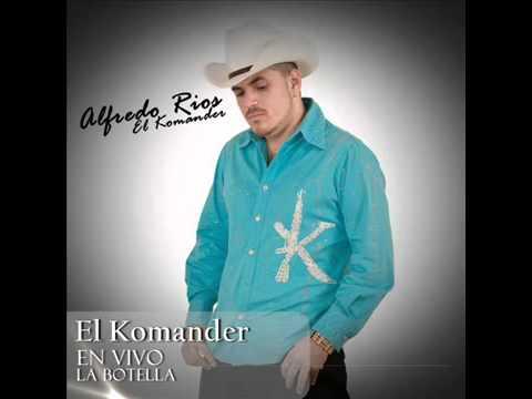 DOS BOTELLAS DE MEZCAL - EL KOMANDER  (EN VIVO)