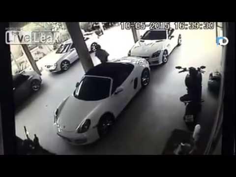 Porsche ile ilişkiye giren adam -...
