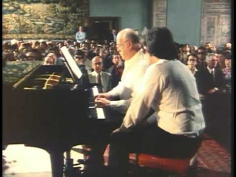 Sviatoslav Richter: Handel Keyboard Suite No. 3 in D-minor 1/3