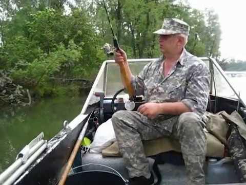 на лодке по оке с фидером видео