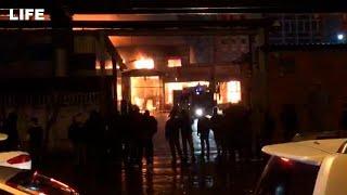 Склад горит на Амурской улице в Москве