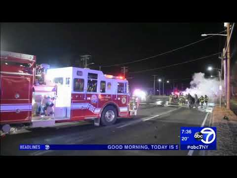 2 injured in multi-vehicle accident in Levittown, Long Island