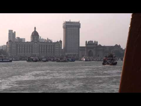 (HD) The Gateway of India and Taj Mahal Palace Hotel Mumbai from Ferry