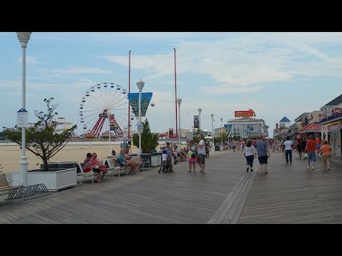 Walking On The Ocean City Boardwalk 2017