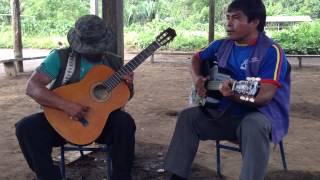 Comunidad Achuar IWIA: Hmnos. Jorge y Jacinto Caringkia con tema AJAPA IKIUSMIAJAI