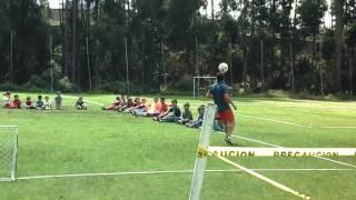 Demostracion de Omar Ledesma en escuela de fútbol / Centro Deportivo Olmedo