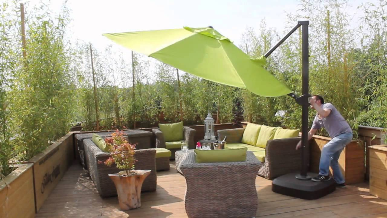 Garden Parasol: Why Can Not Miss in Your Garden