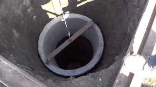 Колодец, установка колец ч1.(Колодец, установка колец. Пришла весна и пора подумать о воде. За зиму колодец был выкопан, теперь пришло..., 2014-04-03T15:34:49.000Z)
