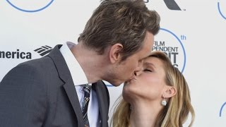 Kristen Bell opens up about her marriage with ET.