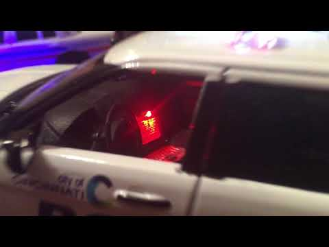 Cincinnati SUV 1/24 Scale w lights MotorMax