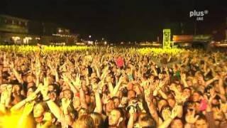 Repeat youtube video [HQ] Rammstein - Sonne - Live at Rock am Ring 2010 (3/5) (OHNE LEIERN)