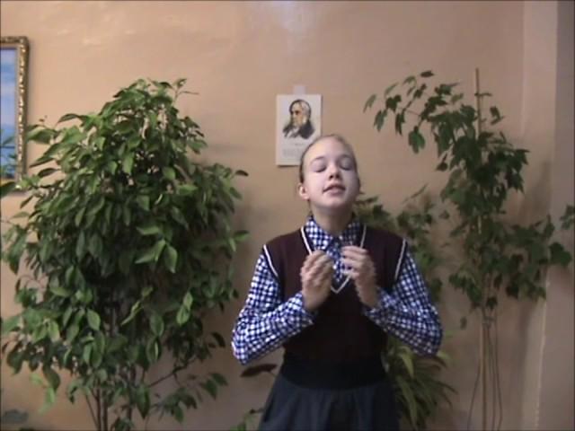 Изображение предпросмотра прочтения – КатеринаАлфёрова читает произведение «Ворона и Лисица» И.А.Крылова
