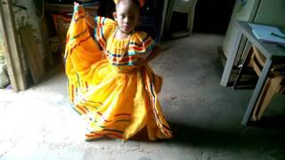 joanna bailando palomita guasiruca