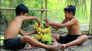 primitive technology - Tow Boy Find Fish With Bamboo Spear & Cooking