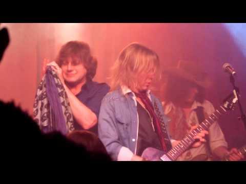 Anthony Corder (Tora Tora) - Round And Round (Aerosmith)  Jan 5 2013  Nashville