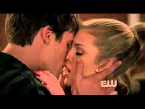 90210 liam and naomi relationship