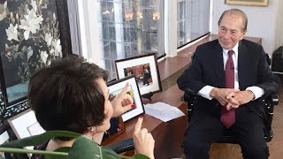 """Maurice R. Greenberg interviewed by Yue-Sai Kan for CCF's """"Enduring Legacy-China Story"""" Series"""