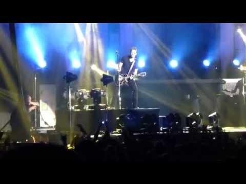 Nickelback concert in Budapest - Burn It To The Ground original sound