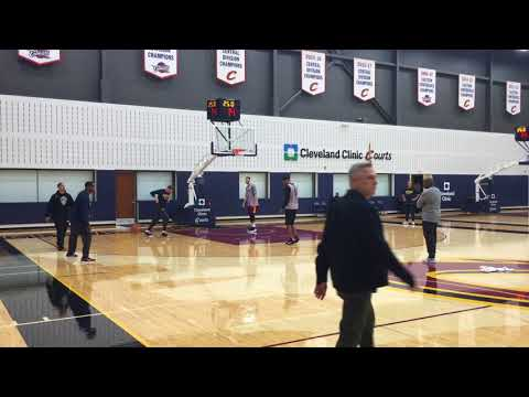 Cleveland Cavaliers, Tyronn Lue run through plays, sets following shootaround