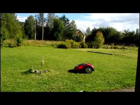Icke gamla Meec robotgräsklippare från jula - YouTube EG-74