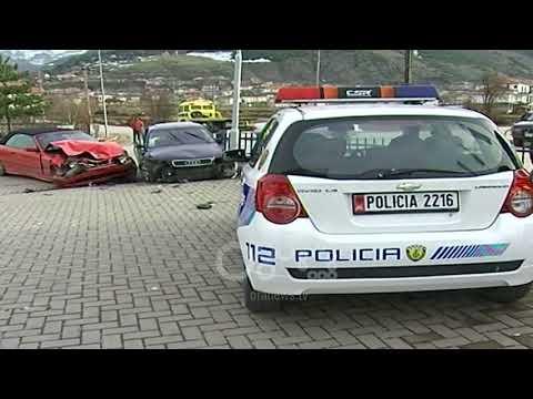 Ora News - Aksident në aksin Korçë-Bilisht, dy të plagosur nga përplasja e mjeteve