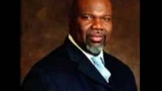 "Bishop T.D Jakes Sings ""Lord Prepare Me"""
