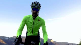 Pro Fit Light Rain Jacket | teaser