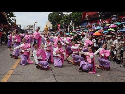 ประเพณีแห่เทียนพรรษาอุบลฯ 2557 18  2014 Ubol Candle Festival