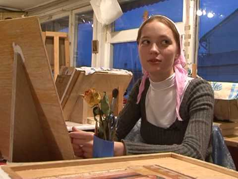 Russian youth learn ancient craft of painting icons
