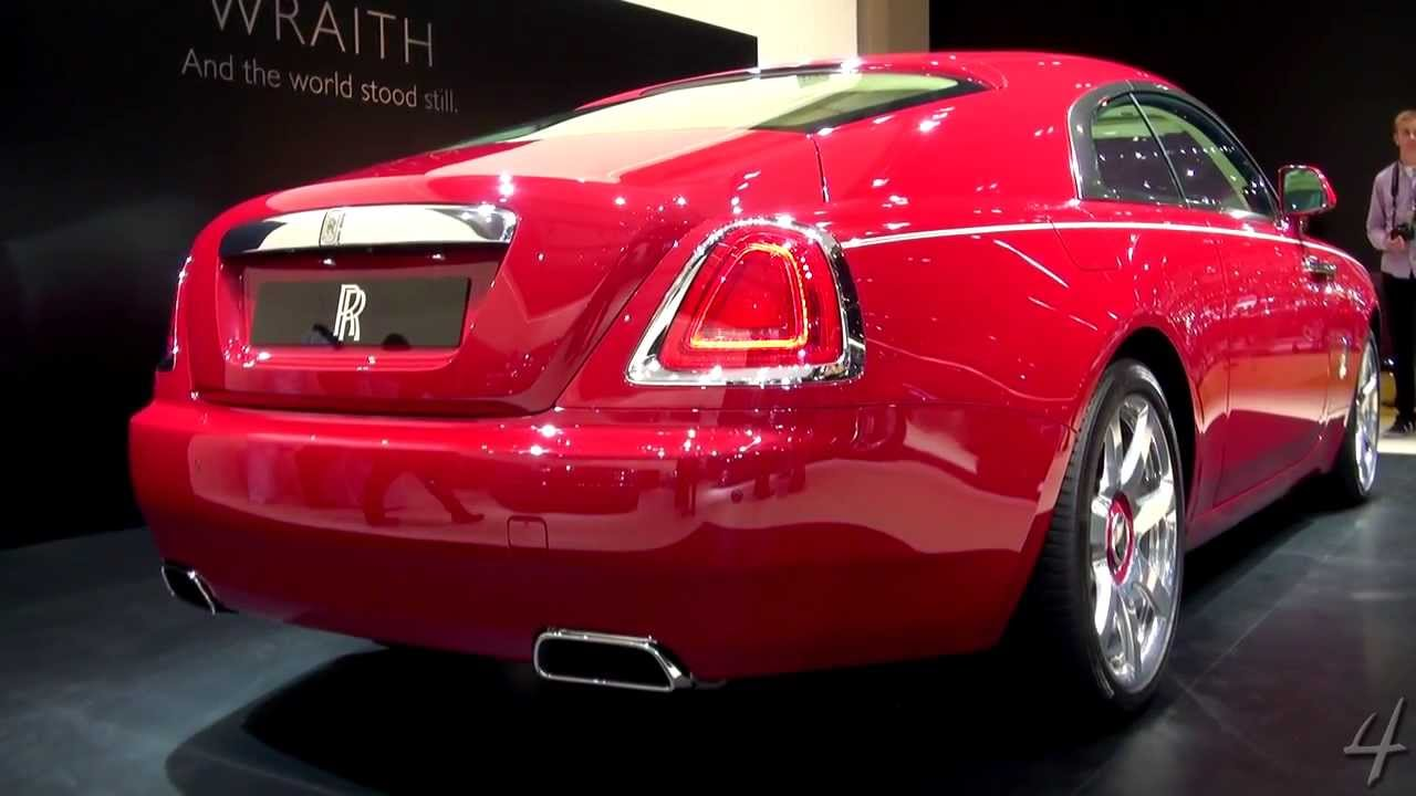 red rolls royce wraith 2013 dubai motor show youtube. Black Bedroom Furniture Sets. Home Design Ideas