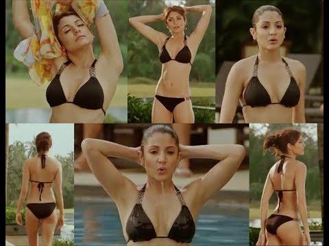 Anushka Sharma Hot Bikini [LooqLocq]