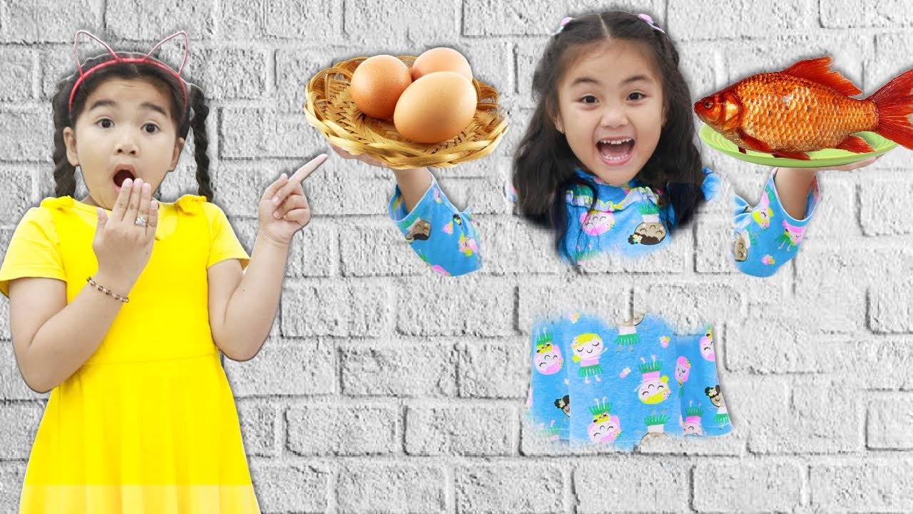 Annie and Suri Pretend Play Jump Through the Wall Funny Story for Kids
