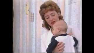 видео Развитие малыша: Что умеет ребенок в 1 месяц