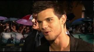 Taylor Lautner on whether he would date a fan and he dismisses the ...