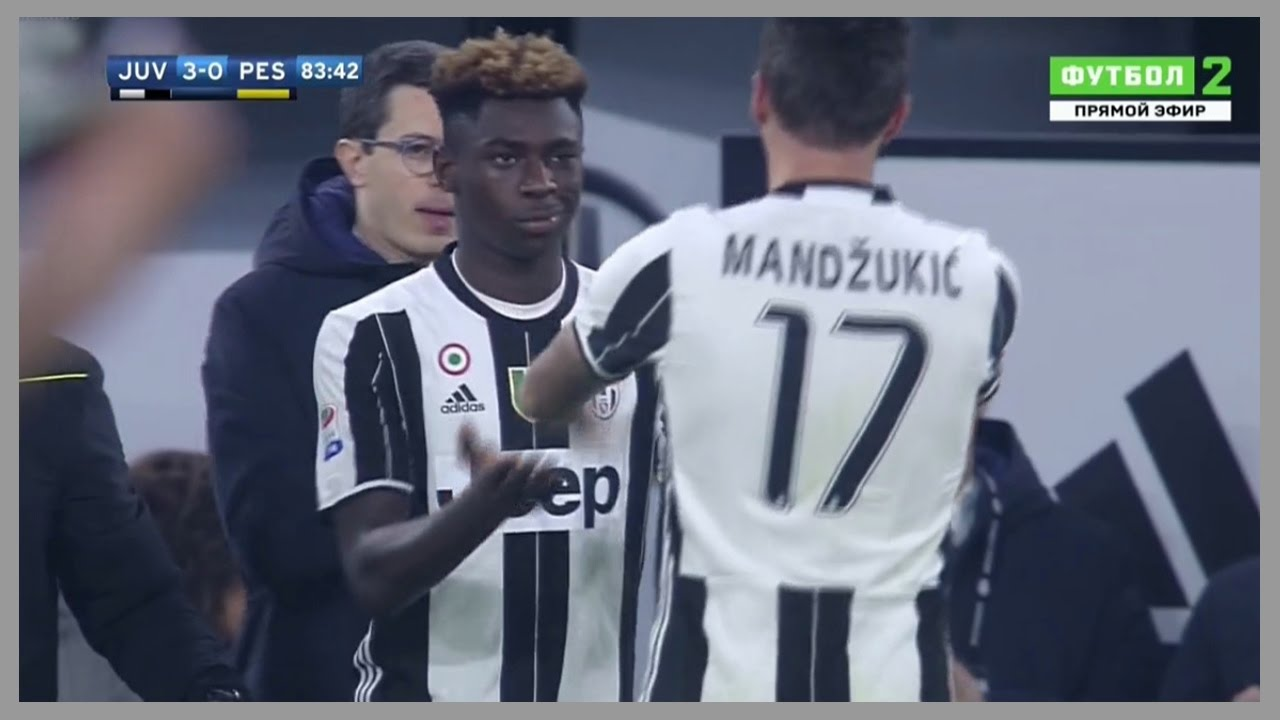 Moise Kean 16 Years Old Vs Pescara Home 19 11 2016 Debut For Juventus Hd Youtube