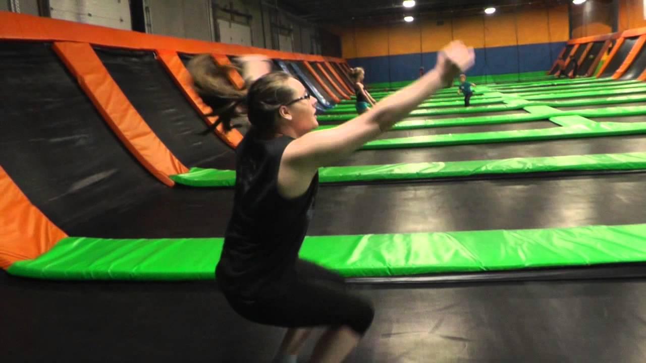 fun friday  jumping into fun at airmaxx trampoline park