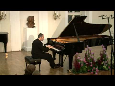 Antonio Pompa-Baldi plays Frederic Chopin's Twelve Etudes, Op.10