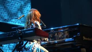 Tori Amos - Black Dove (January) - Linz 2014 FULL HD