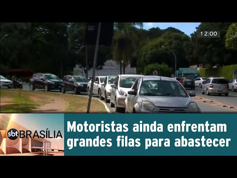Motoristas ainda enfrentam grandes filas para abastecer | SBT Brasília 29/05/2018