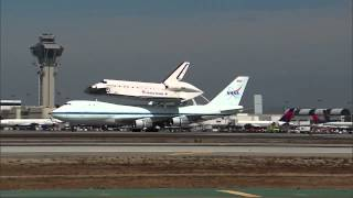 Lo Space Shuttle Endeavour atterra a Los Angeles