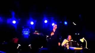 "Laurent Leroi & Marina Tamássy interpretieren Falcos ""Egoist"""