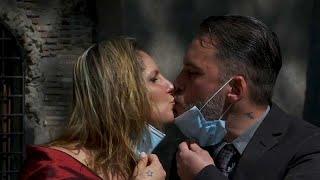 Des Italiens mariés pour le meilleur et pour le pire, au temps du coronavirus