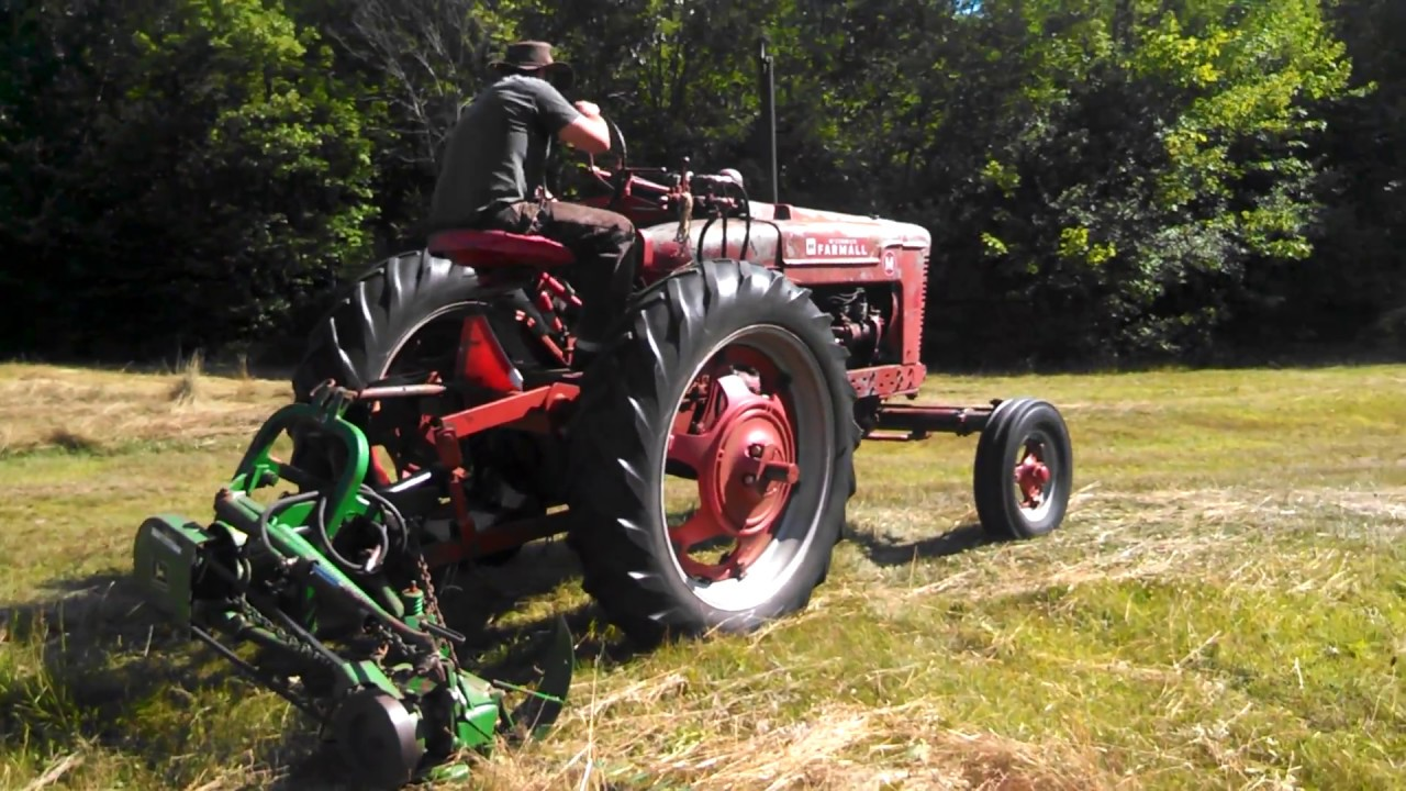 Farmall Sickle Bar Mower : Haying mowing with a farmall m and john deere