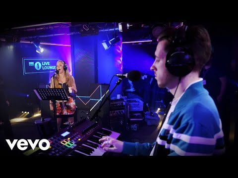 sigala,-becky-hill---wish-you-well-in-the-live-lounge