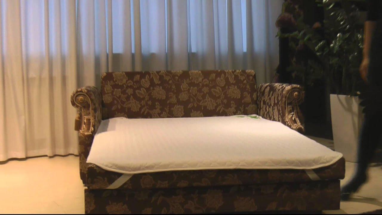 Чтобы трансформировать выкатной диван, достаточно потянуть сиденье на себя таким образом, чтобы передняя часть выехала вперед, а не ее место.