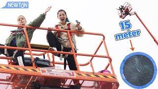 Vi kaster ting ned på trampoline!