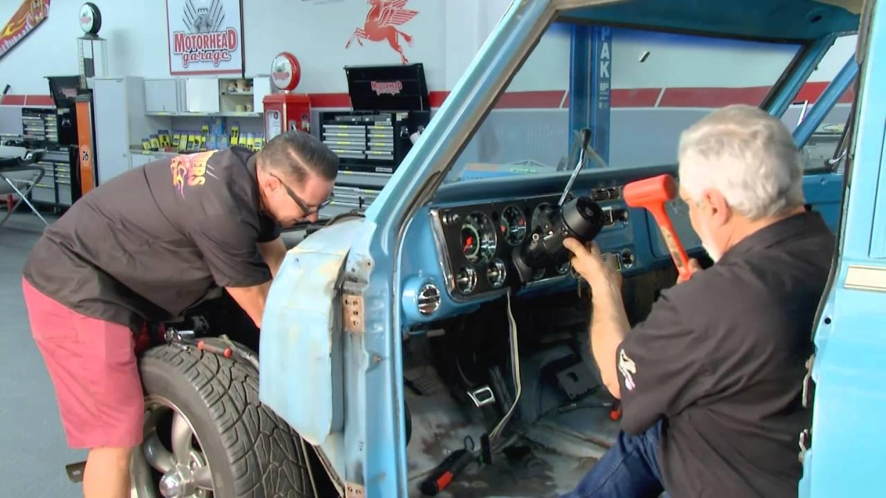 6772 Chevy & GMC Truck Tilt Column Features