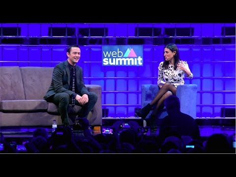 Web Summit Interview w/ CNN's Laurie Segall - YouTube