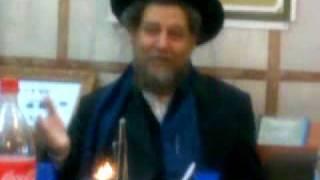 הרב שיינפלד על חסידות קוצק .בסעודת מצווה בקהל חסידים