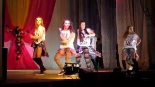 танцуют девушки из г Чусового(Круто танцуют девушки из г Чусового. Концерт в Лысьве, ссылка на видео https://www.youtube.com/watch?v=F_sj45oBtXw Поддержите..., 2016-03-12T17:55:39.000Z)